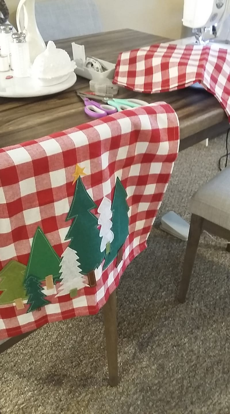 DIY Christmas Felt Pillow Cover